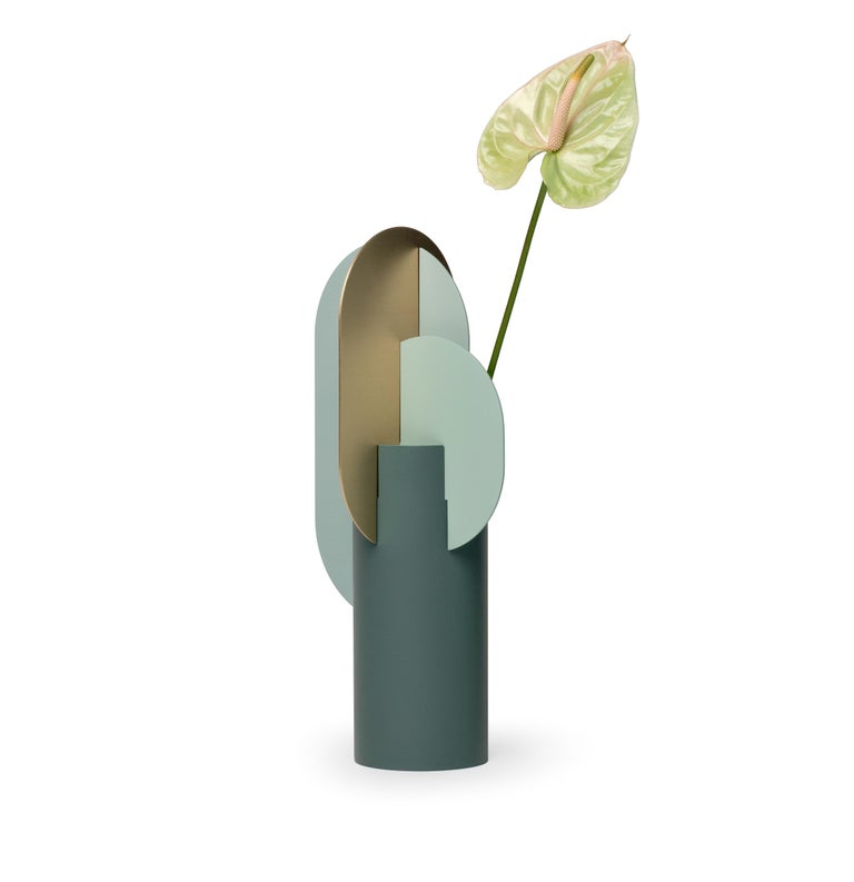 Modern Metal Vase Ekster CS9 by Noom in Brass and Steel In New Condition For Sale In Kyiv, UA