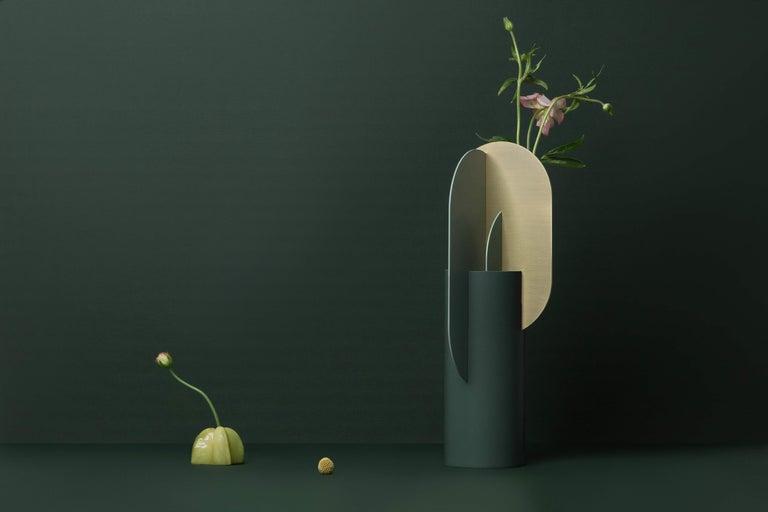 Modern Metal Vase Ekster CS9 by Noom in Brass and Steel For Sale 2