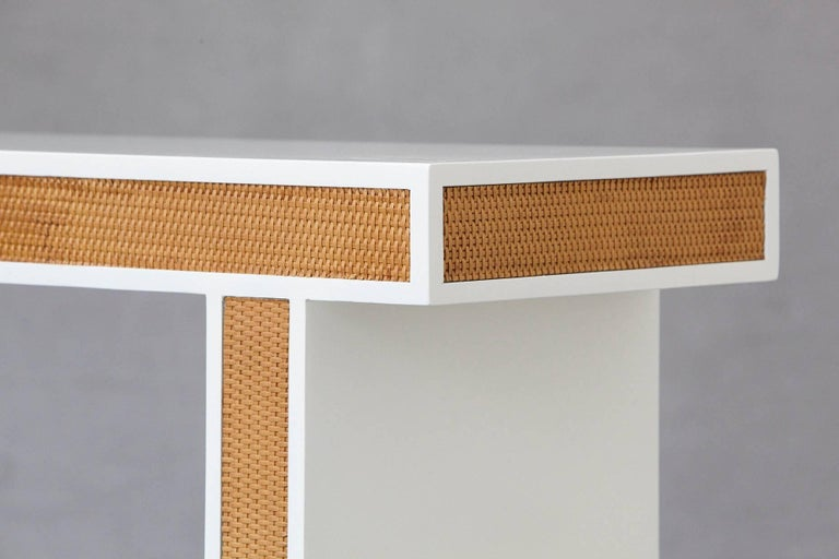 Modern Minimalistic Console with Rattan Siding in New Dove White Gloss Lacquer For Sale 3