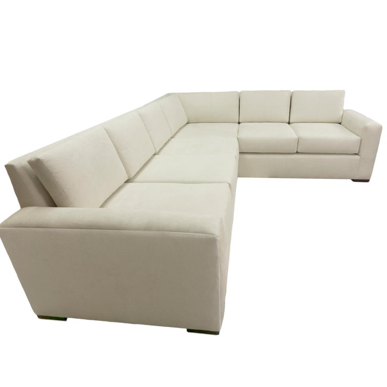 Modern Minimalistic Sectional Sofa In New Condition For Sale In Westport, CT