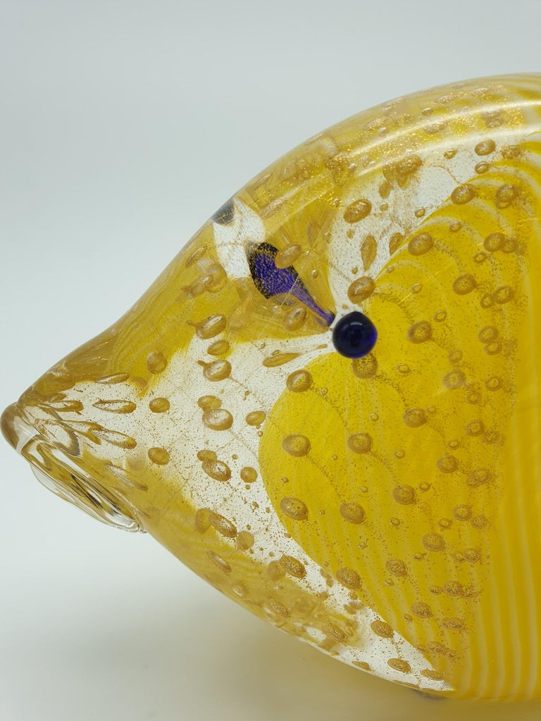 Hand-Crafted Modern Murano Glass Fish in Yellow & Gold Color with Bubbles by Cenedese, 1990s For Sale