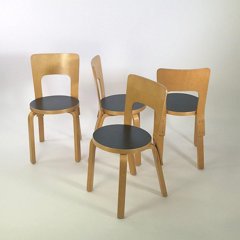 Mid-Century Modern Modern Nordic Design Alvar Aalto Iconic Dining Chair by Artek Finland Co., 1980s For Sale