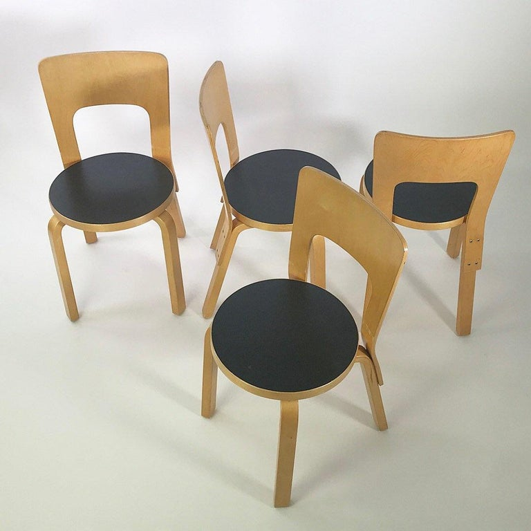 Modern Nordic Design Alvar Aalto Iconic Dining Chair by Artek Finland Co., 1980s In Good Condition For Sale In Haderslev, DK