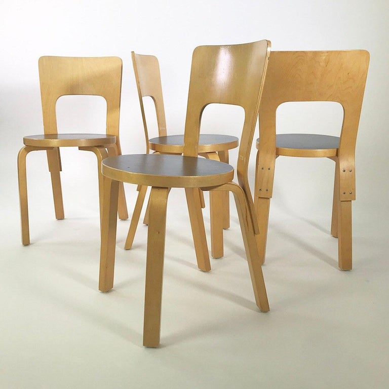 Late 20th Century Modern Nordic Design Alvar Aalto Iconic Dining Chair by Artek Finland Co., 1980s For Sale