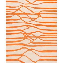 Moderner Oranger und Weiß Abstrakter Türkischer Kelim Teppich
