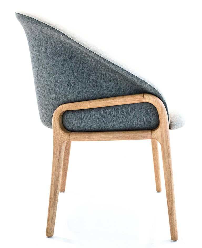 Modern Organic Chair in Solid Wood, Upholstered Flexible Seating In New Condition For Sale In Sao Paolo, SP