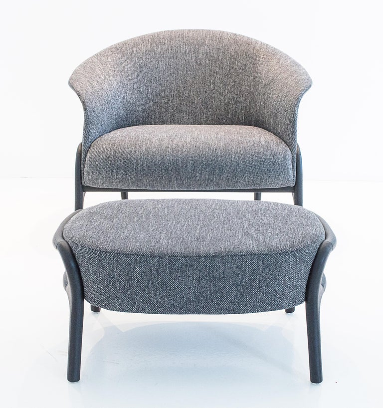 Modern Organic style armchair in Solid Wood, Upholstered Flexible Seating In New Condition For Sale In Sao Paolo, SP