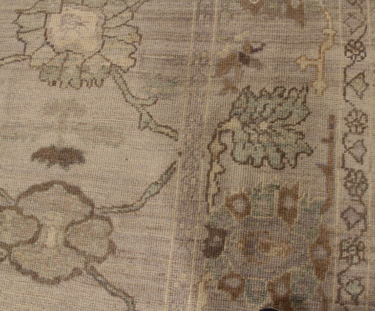 Modern Oushak Persian Rug with Large Floral Medallions in Ivory and Blue In New Condition For Sale In Dallas, TX