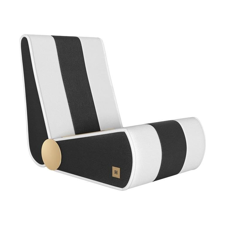 21th Century Modern Outdoor Folding Loung Chair Black White Stripes Gold Details