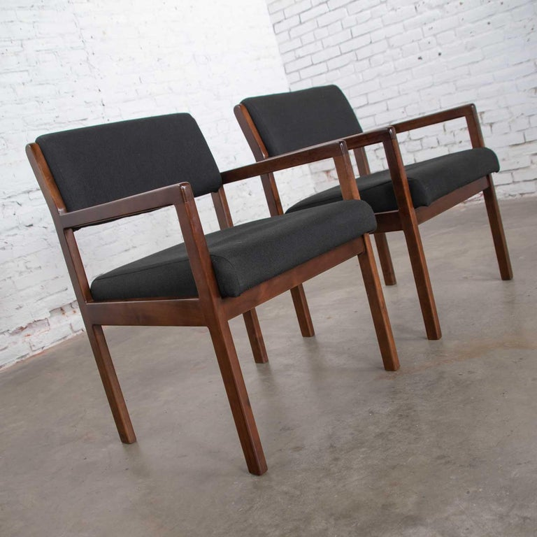 Modern Pair of Black and Walnut Tone Wood Accent or Dining Armchairs by Haworth In Good Condition For Sale In Topeka, KS