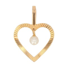 Modern Pearl 18 Karat Yellow Gold Pendant