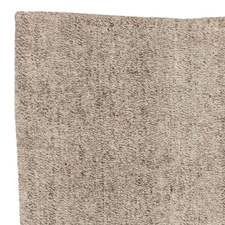 Modern Persian Beige and Gray Kilim Rug For Sale 1