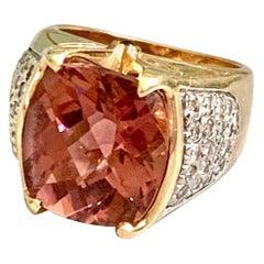 Modern Pink Tourmaline and Diamond 14 Karat Yellow Gold Ring