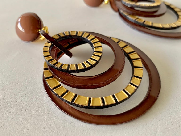 Modern Architectural Brown Hoop Statement Earrings For Sale 5