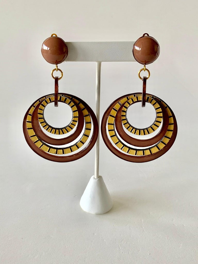 Modern Architectural Brown Hoop Statement Earrings For Sale 1