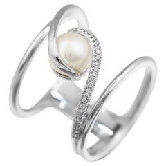 Modern Precious Pearl Diamond Fabulous White Gold Ring