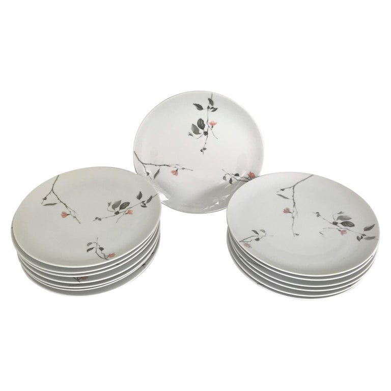 Modern Rosenthal Quince Pattern Raymond Loewy 14 Dinner Plates, Germany, 1956 For Sale
