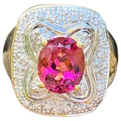 Modern Rubellite Pink Tourmaline 18 Karat Gold Ring