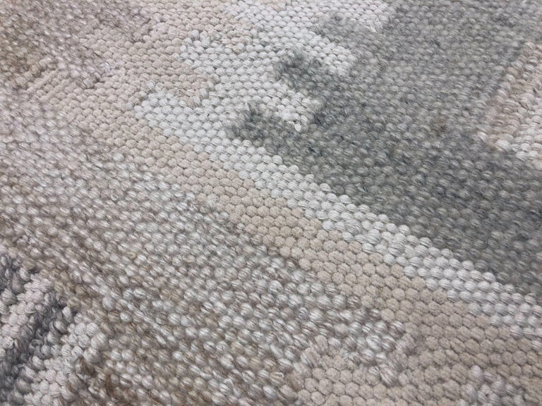 Hand-Woven Modern Scandinavian Rug with Ivory and Gray Geometric Patterns For Sale