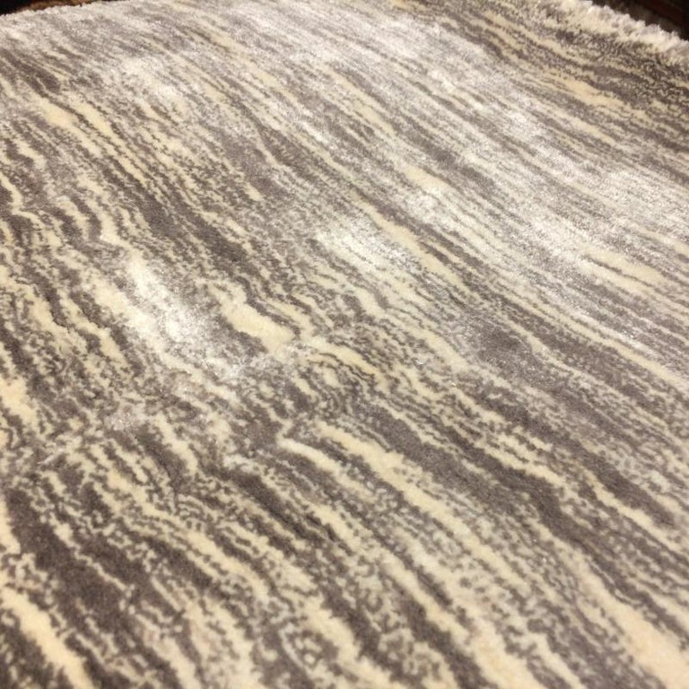 Modern Shades of Grey Tiger Design Tufted Bamboo Silk Rug For Sale 1