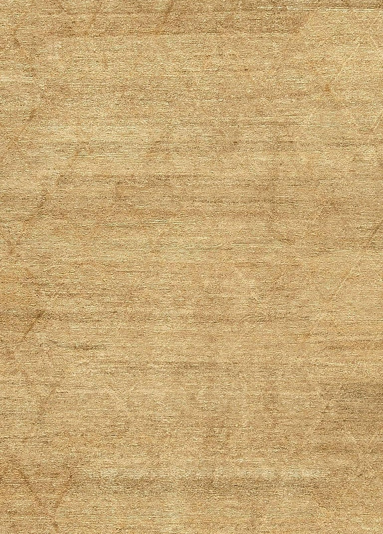 Modern Soho gold hand knotted wool rug Size: 13'5