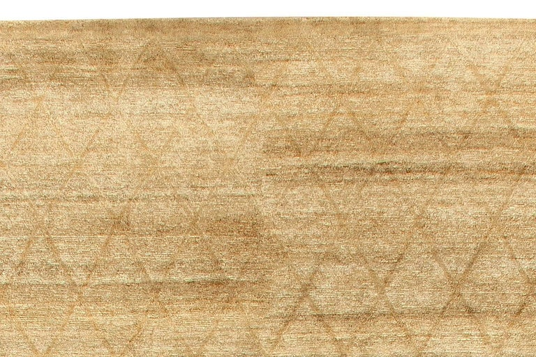 Hand-Knotted Modern Soho Gold Hand Knotted Wool Rug For Sale
