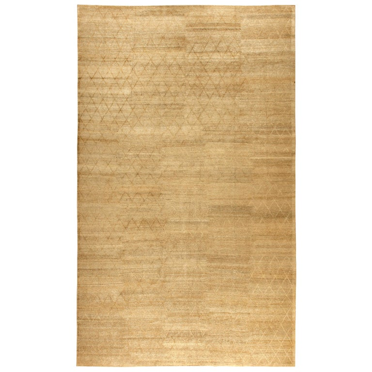 Modern Soho Gold Hand Knotted Wool Rug For Sale
