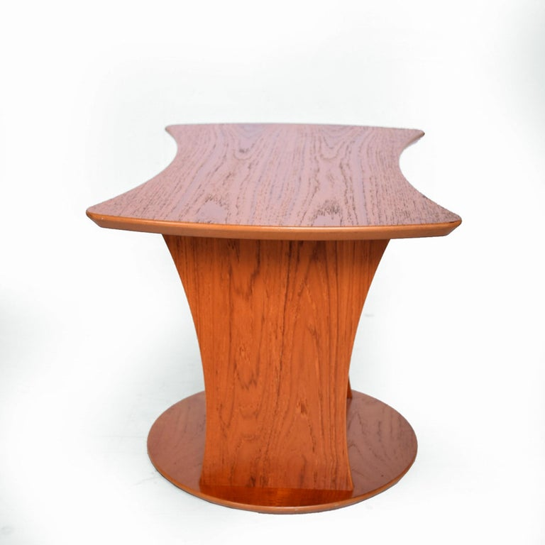 Danish Modern Sophistication Sculptural Teak Side Table & Magazine Holder 1980s Denmark For Sale