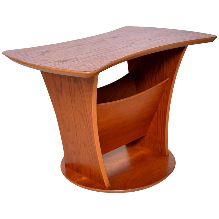 Modern Sophistication Sculptural Teak Side Table & Magazine Holder 1980s Denmark For Sale