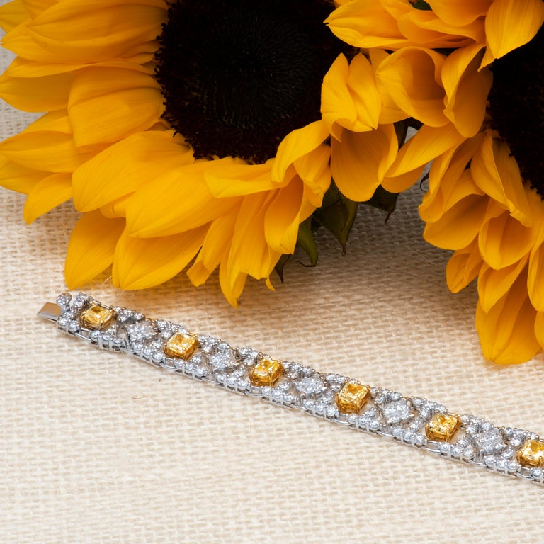Modern Style Yellow and White Diamond Bracelet in Platinum and 18 Karat Gold In Excellent Condition For Sale In Houston, TX
