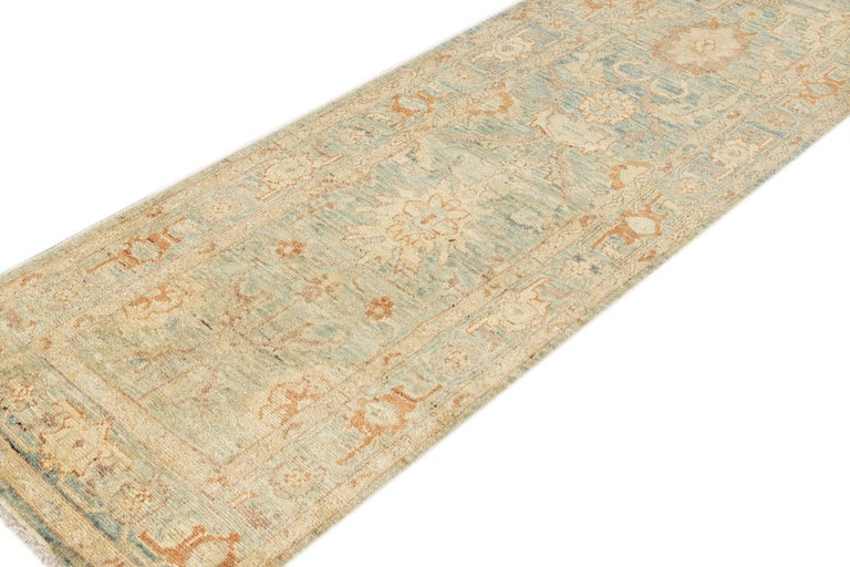 Modern Sultanabad Runner wool Rug In New Condition For Sale In Norwalk, CT