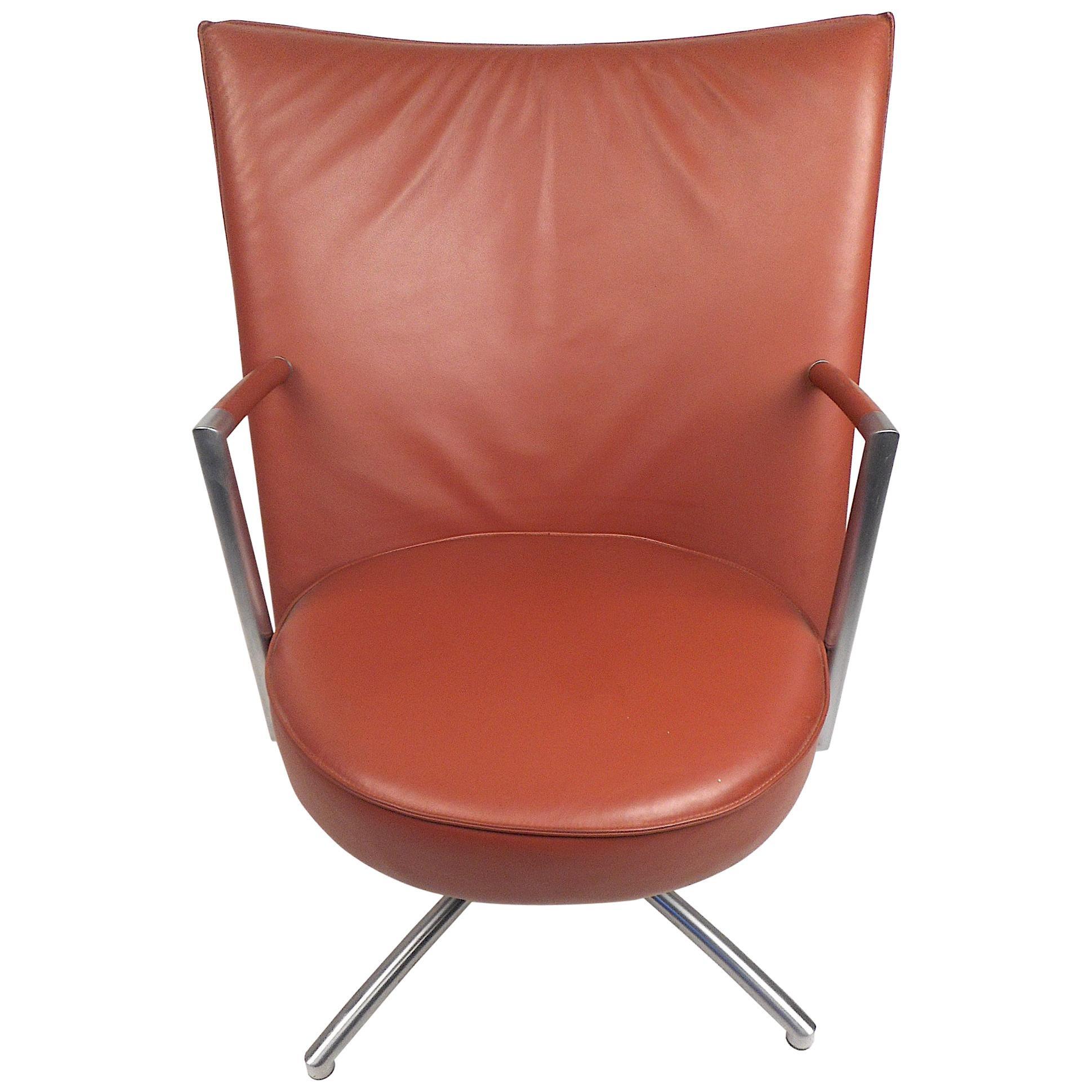 Modern Swiveling Lounge Chair