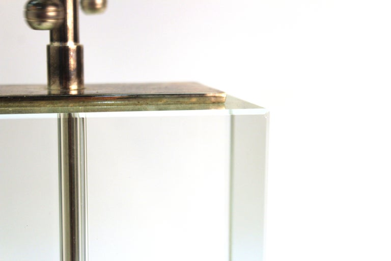 Modern Table Lamp in Chrome and Clear Glass For Sale 5