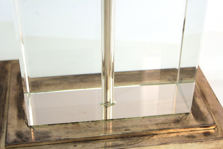 Modern Table Lamp in Chrome and Clear Glass For Sale 6