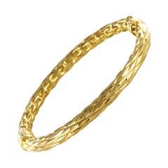 Modern Textured 18 Karat Yellow Gold Oval Bangle Bracelet