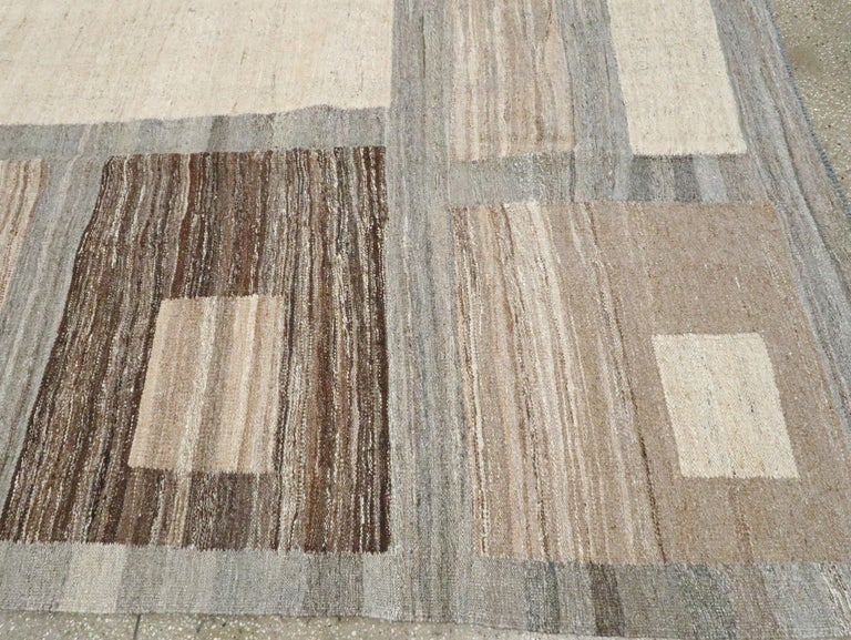 Modern Turkish Flat-Weave Carpet For Sale 5