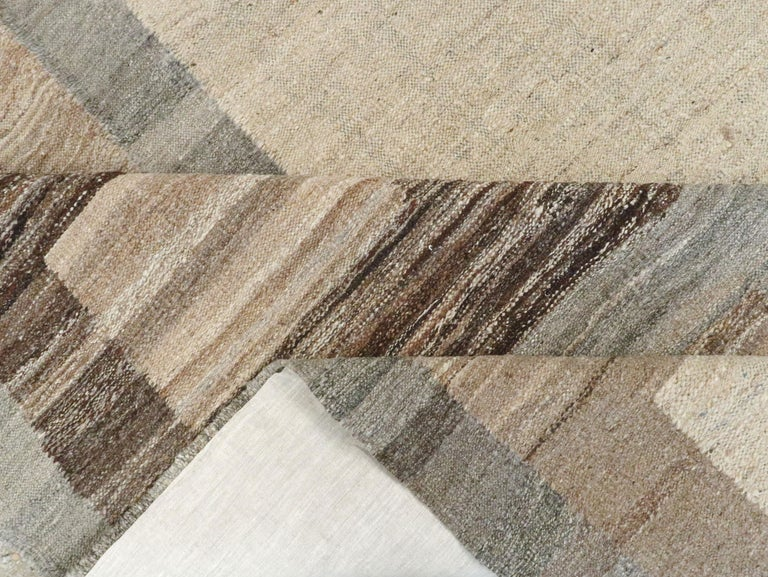 Modern Turkish Flat-Weave Carpet For Sale 6
