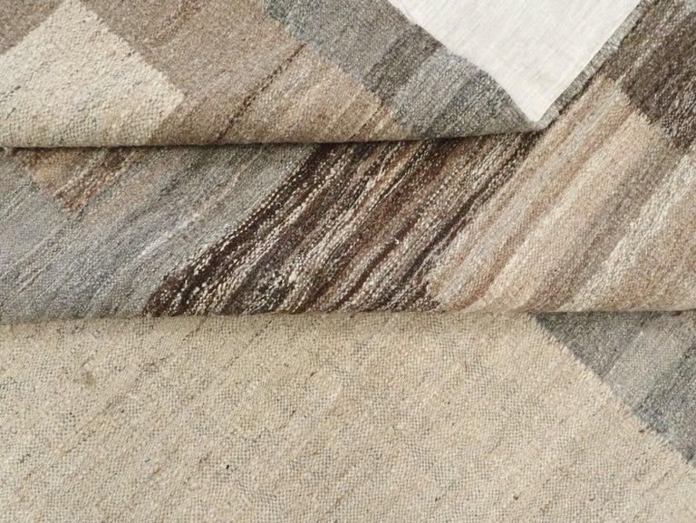Modern Turkish Flat-Weave Carpet For Sale 7