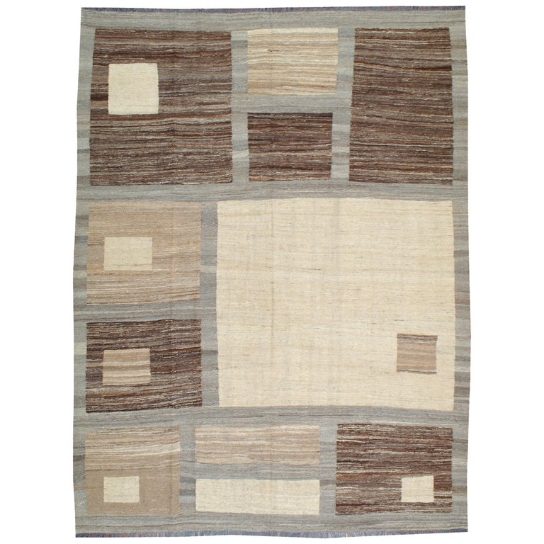 Modern Turkish Flat-Weave Carpet For Sale