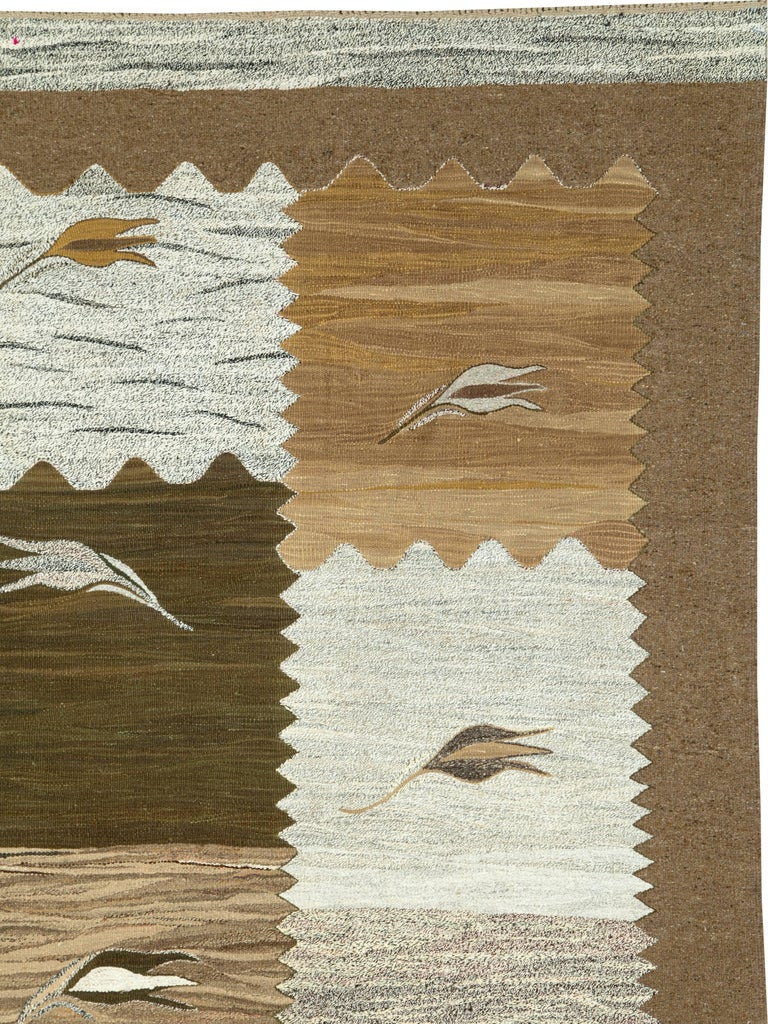 Modern Turkish Flat-Weave Rug In Excellent Condition For Sale In New York, NY