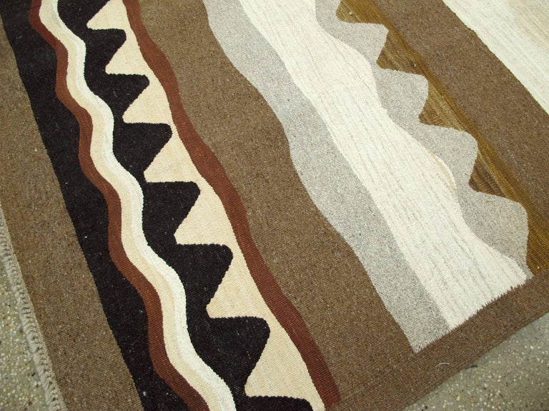 Modern Turkish Flat-Weave Rug For Sale 3