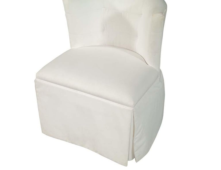 Modern Upholstered Side Accent Chair In Good Condition For Sale In North York, ON