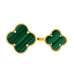 Modern Van Cleef & Arpels Magic Alhambra Malachite between the Fingers Ring