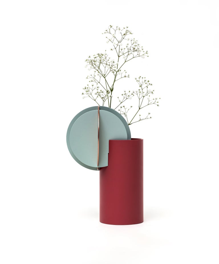 Ukrainian Modern Vase Delaunay CS1 by Noom in Copper and Steel For Sale