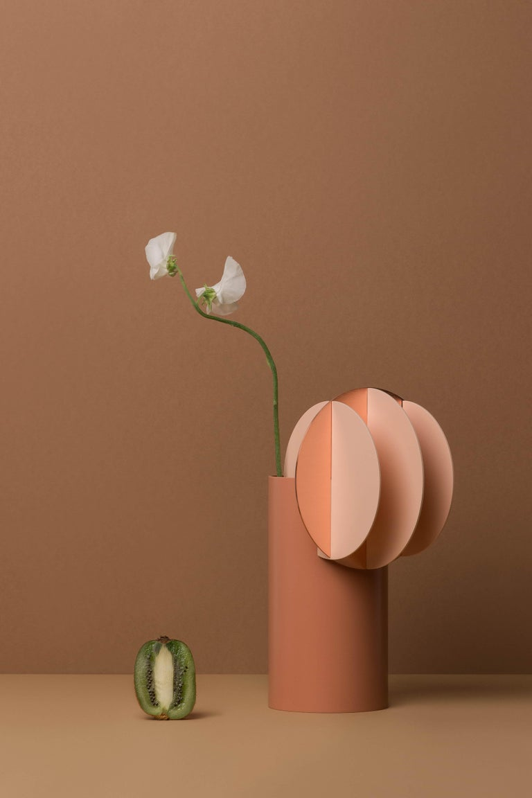 Modern Vase Delaunay CS7 by Noom in Copper and Steel For Sale 1