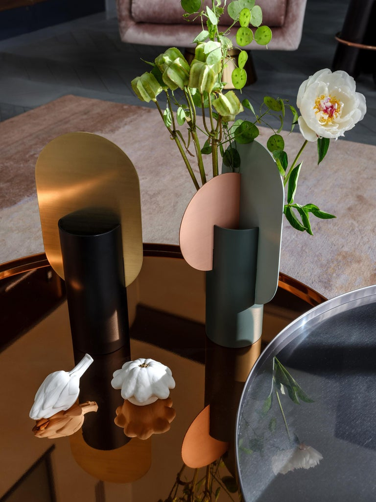 Modern Vase Genke CS1 by Noom in Brass and Steel In New Condition For Sale In Kyiv, UA