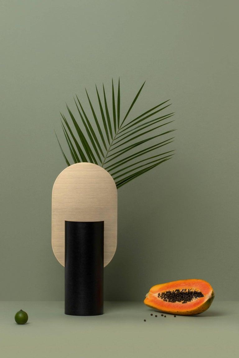 Modern Vase Genke CS1 by Noom in Brass and Steel For Sale 1