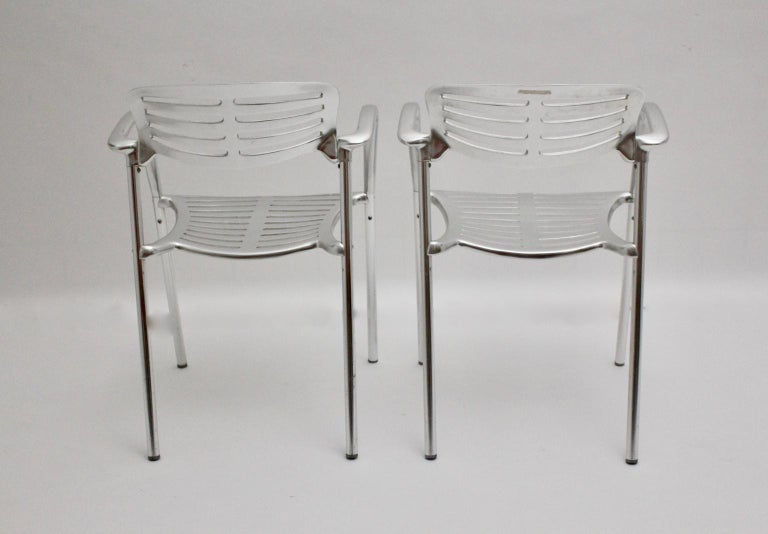Late 20th Century Modern Vintage Pair of Aluminum Chairs by Jorge Pensi, Spain 1986-1988 for Amat For Sale