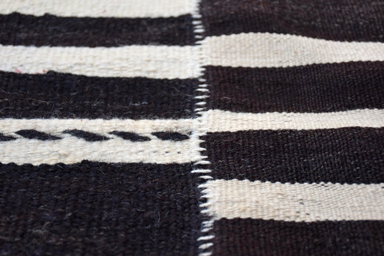 Hand-Woven Modern Vintage Turkish Kilim Rug 'Flat-Weave' For Sale