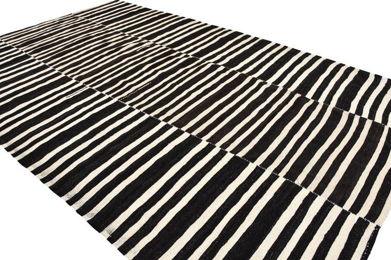 20th Century Modern Vintage Turkish Kilim Rug 'Flat-Weave' For Sale